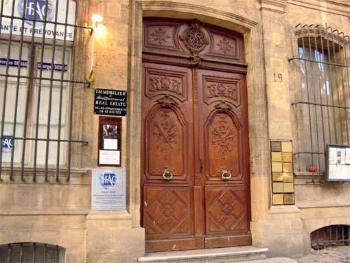 Photo de l'entrée du cabinet du 19 cours Mirabeau