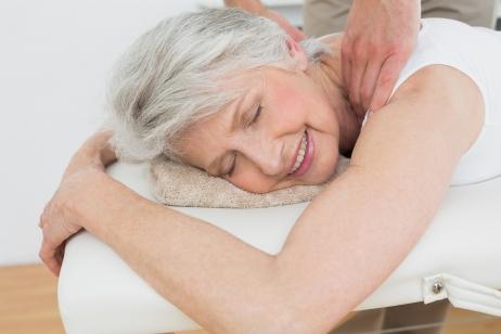 Ostéopathie séance pour séniors